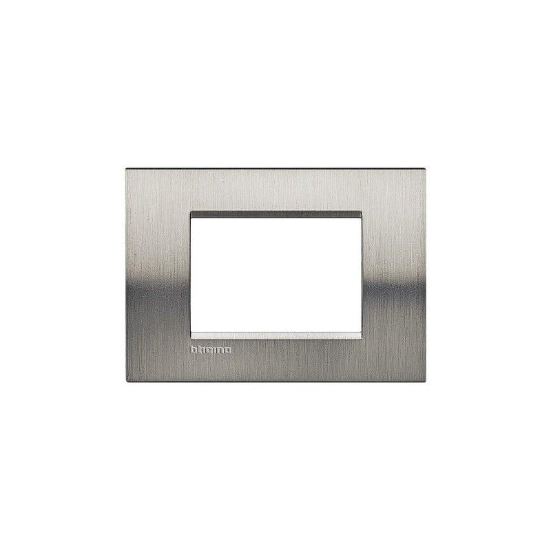 Placca bticino livinglight metallo acciaio spazzolato quadra 3 posti - Interruttori living light ...