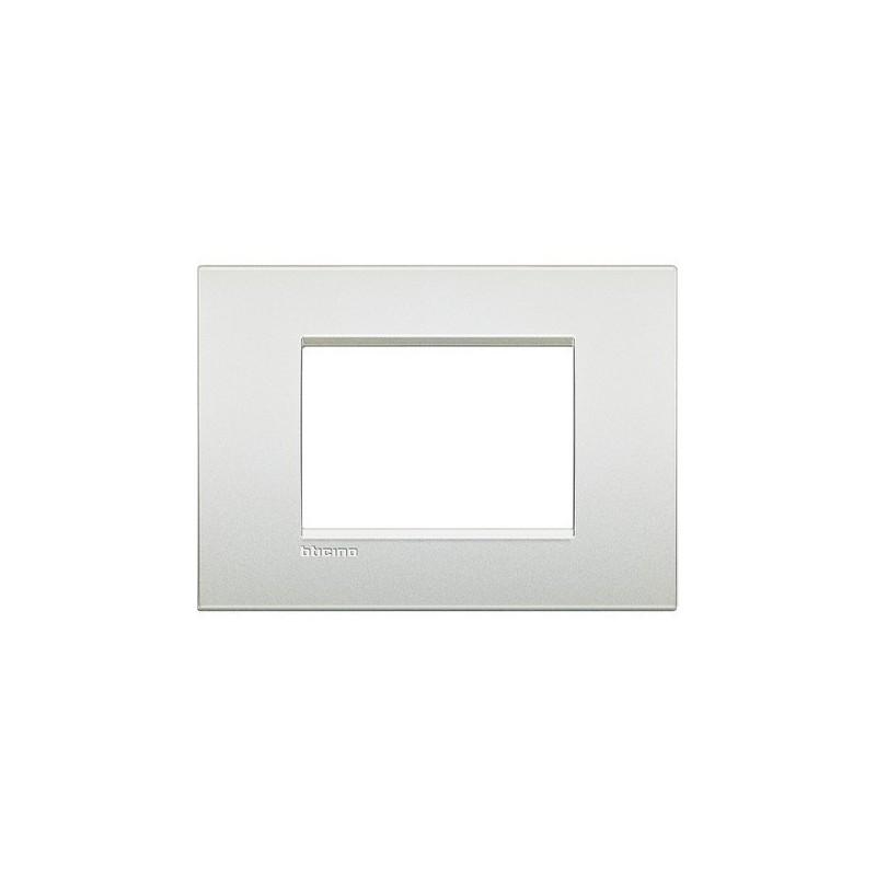 Placca Bticino LivingLight Air LNC4803PR 3 Posti Bianco Perla in Metallo prezzi costi costo