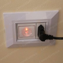 Placca Compatibile Bticino International e Living Light Bianca 3, 4, 7 Posti Tecnopolimero