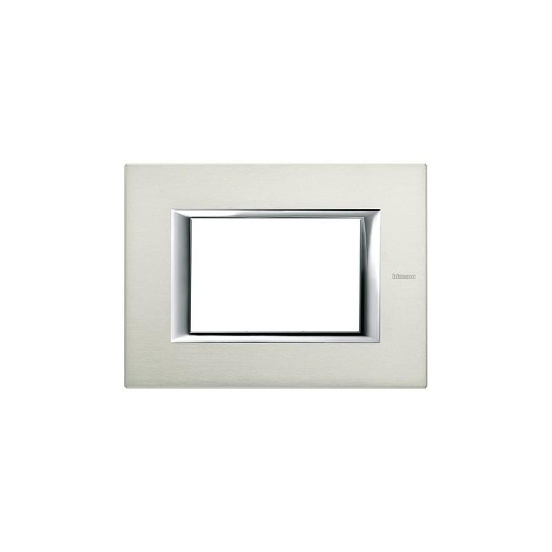 Placca colore alluminio spazzolato, serie Axolute Ticino, 3 Posti, in metallo. Miglior Prezzo Prezzi On Line.