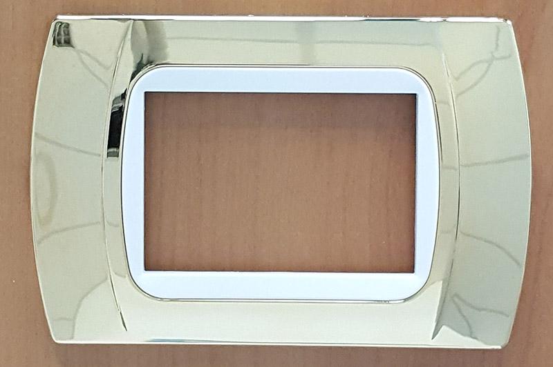placchetta compatibile con vimar plana arkè e eikon, 3 moduli non originali