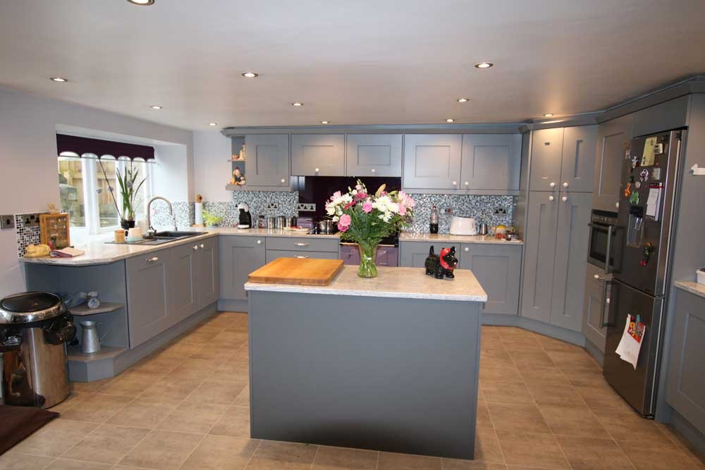 Idee e consigli per illuminare la cucina in modo moderno
