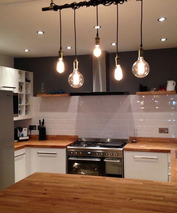 20 idee e consigli per illuminare la cucina in modo moderno - Luci per cucina moderna ...