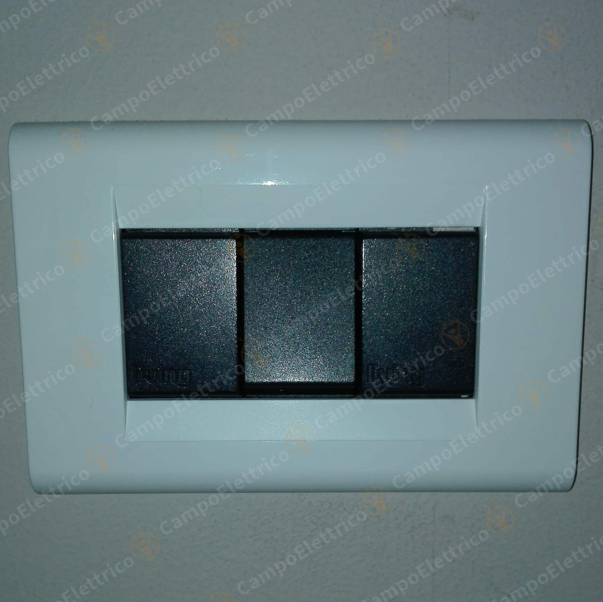 placca bianca compatibile living classic interruttore e tappi copriforo