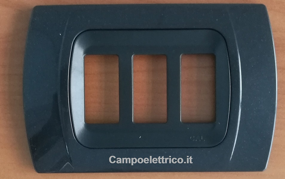 placca-antracite-metallizzata-3-moduli-c