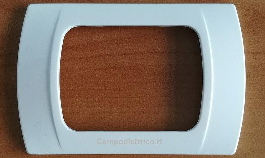 placca compatibile colore bianco, 3 moduli, 4 moduli o 7 moduli, serie living international, living light, migliori prezzi e offerte vendita online compatibili Placche